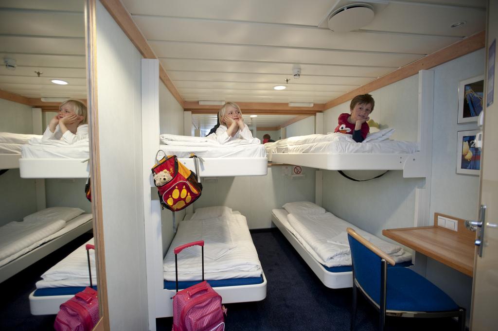 Четырехместная каюта без окна АВ4 / 10 м2. Паромы Стар-класса компании Финнлайнс