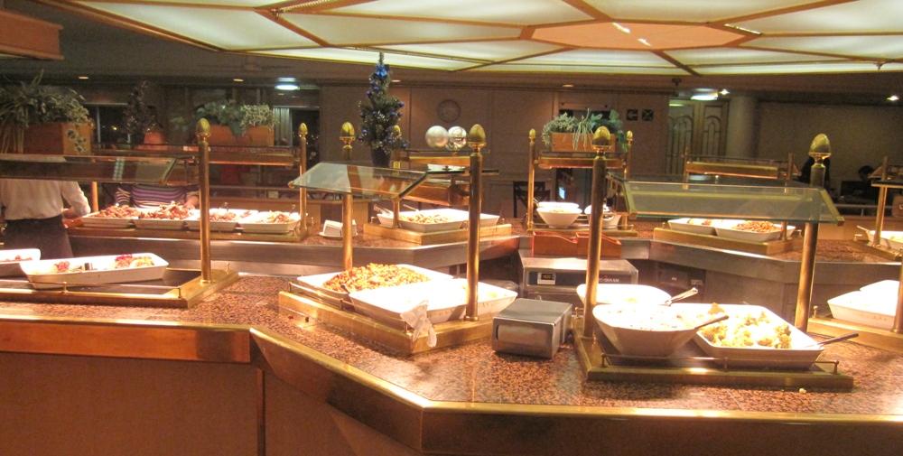 NAPAROME.RU / Паром Принцесса Анастасия. Ресторан Seven Seas / Семь морей.  Шведский стол. www.naparome.ru