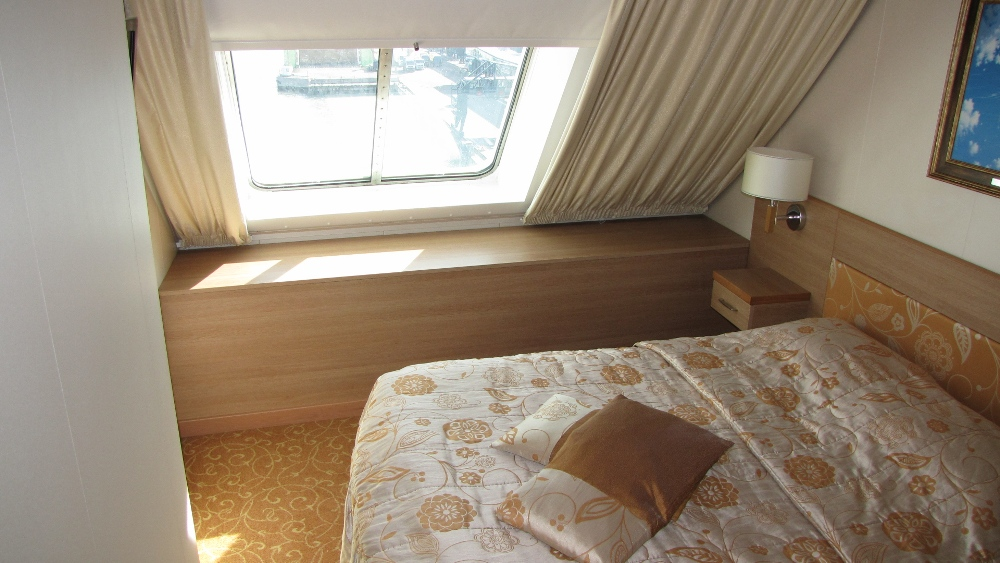 Двухкомнатная каюта Suite на пароме Baltic Princess. Каюты на паромах Baltic Queen и Baltic Princess одинаковые.