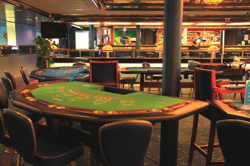 Паром с казино лицензионные игровые аппараты рио бет