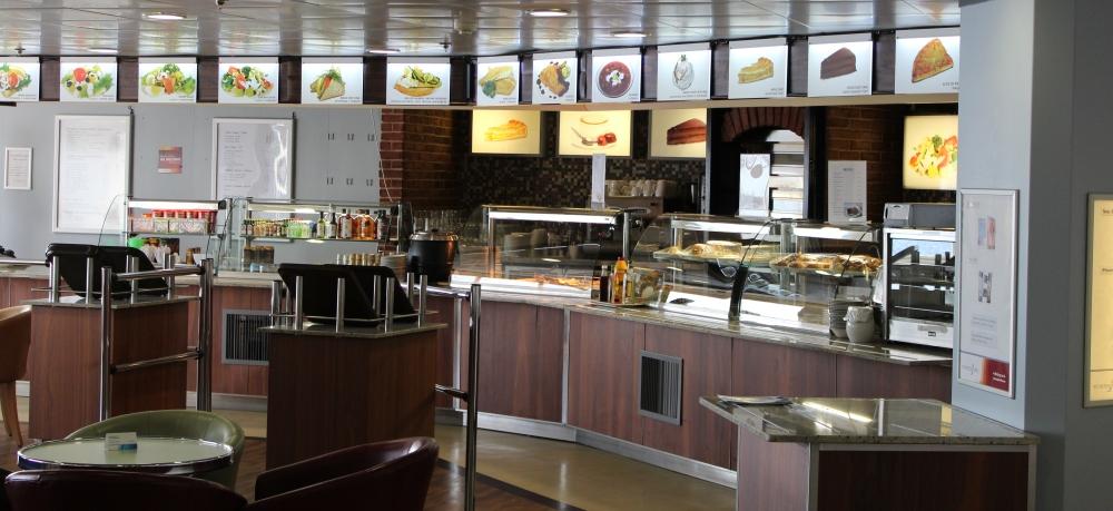 NAPAROME.RU: Круглосуточное кафе Bake & Coffee на 6 палубе парома Princess Anastasia