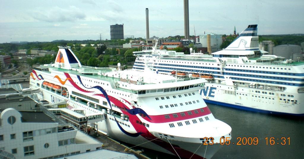 Паромы Baltic Queen и Silja Serenade в Стокгольме. Порт VARTAN.